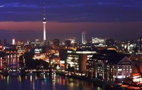 Berlin_mitte_by_night_2